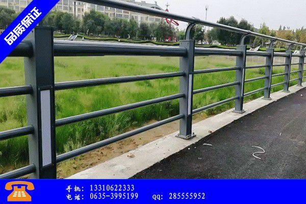 四平公路防撞护栏抢修车的主要发展趋势