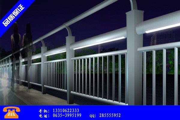 嵊州市市政道路防撞护栏的强度如何