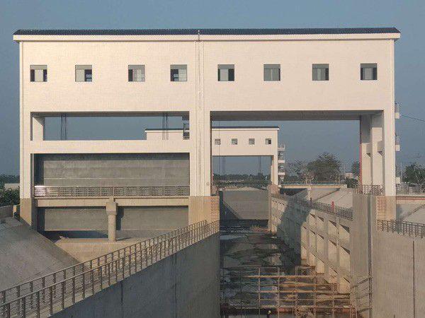 哈尔滨液压翻板闸门制造工艺发生变形原因及预防措施