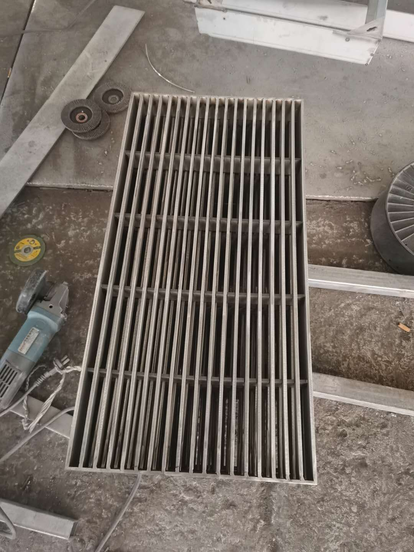 自贡自流井区不锈钢铺装井盖的性能与结构