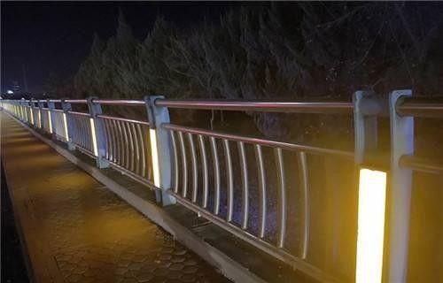 枣庄山亭区灯光护栏需要考虑各方面利益的均衡