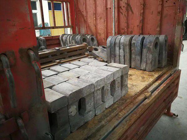 上饶市双金属锤头|上饶市双金属高铬锤头|上饶市双金属耐磨锤头厂家价格怎么走